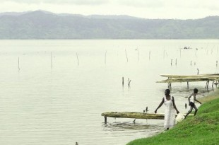 Le lac Bosomtwi, dans la région Ashenti au Ghana. © Wikimedia Commons/Adam Jones