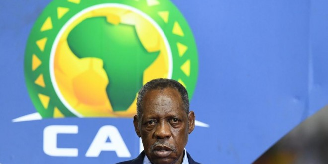 Le Camerounais Issa Hayatou. GABRIEL BOUYS / AFP