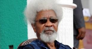 """M. Soyinka a dénoncé la construction de murs - """"surtout dans les esprits"""" - partout dans le monde"""