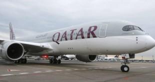 Un avion de la compagnie Qatar Airways. La compagnie qatarie est concernée par la décision des autorités américaines d'interdire l'utilisation d'ordinateurs et des tablettes sur certains vols vers les Etats-Unis. © Michael Probst/AP/SIPA