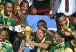 L'équipe des Lions indomptables célèbre sa victoire à la Coupe d'Afrique des nations le 5 février 2017, à Libreville, au Gabon. CRÉDITS : ISSOUF SANOGO/AFP