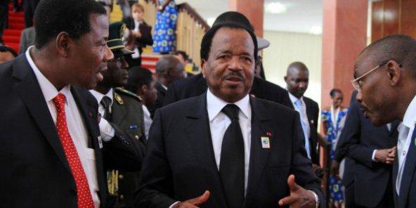 Le président camerounais Paul Biya et le président Yayi Boni du Bénin. © Baudouin Mouanda pour JA