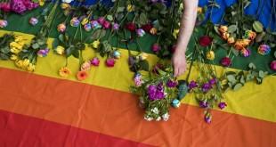 Le drapeau des LGBT utilisé pour représenter la communauté, le 2 juin 2017.