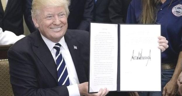 les sénateurs américains veulent empêcher Donald Trump de lever les sanctions contre la Russie