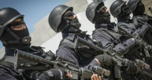 Des hommes du Groupe d'Intervention Rapide (GIR) du Bureau Central d'Investigations Judiciaires (BCIJ), en mai 2015 à Rabat-Salé. © Hassan Ouazzani pour Jeune Afrique