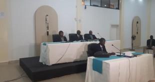 La commission chargée d'enquêter sur les «affaires» de Yahya Jammeh a des airs de tribunal. © RFI/Claire Bargelès