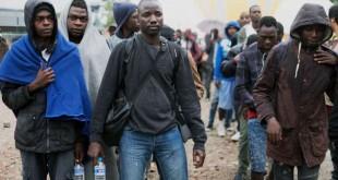 © Diane Grimonet pour Le Monde Vendredi 18 août, la police a évacué le campement de migrants à la Porte de La Chapelle, à Paris. Il s'agit de la 35e expulsion depuis deux ans dans la capitale, selon la préfecture de police.