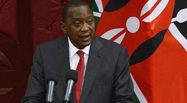 le-president-kenyan-uhuru-kenyatta-reelu-avec-5427-des-voix-600x400