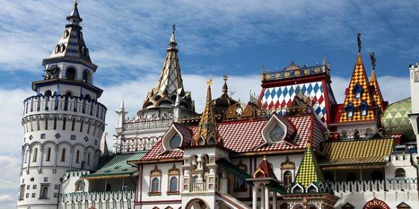the-izmailovo-kremlin-2155663_640-592x296