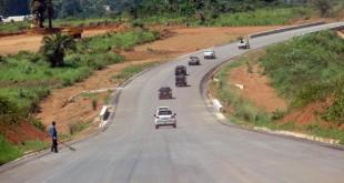 Un segment de la route reliant Brazzaville, Dolisie et Pointe-Noire. © AFP PHOTO / Laudes Martial Mbon