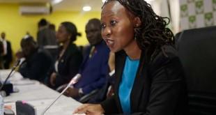 Roselyn Akombe – ici le 29 mai 2017 –, membre de la Commission électorale indépendante kényane (IEBC) a annoncé sa démission de l'instance le 18 octobre 2017, arguant qu'elle ne souhaitait pas participer à une « parodie  » d'élection présidentielle le 26 octobre. CRÉDITS : THOMAS MUKOYA/REUTERS En savoir plus sur http://www.lemonde.fr/afrique/article/2017/10/18/au-kenya-un-membre-de-la-commission-electorale-demissionne-a-huit-jours-du-scrutin_5202455_3212.html#ZZgaJJm95FALU5kk.99
