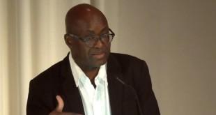 Achille Mbembe est professeur d'histoire et de sciences politiques à l'université du Witwatersrand.