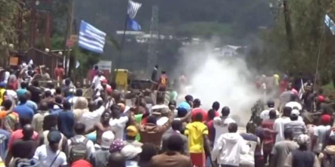 Une capture d'écran montrant les manifestations du 1er octobre à Bamenda. © REUTERS/via Reuters TV/ File Photo