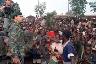 © Hocine Zaourar, AFP (archives) | Militaires français déployés au Rwanda, en 1994, dans le cadre de l'opération Turquoise.