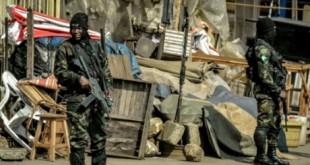 Militaire en faction dans la zone anglophone au Cameroun