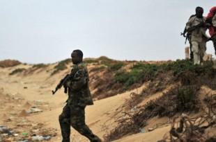 © Mohamed Abdiwahab, AFP | Des forces de sécurité patrouillent dans le nord-est de la Somalie, en décembre 2016.