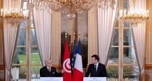 Le président français Emmanuel Macron et son homologue tunisien, Béji Caïd Essebsi, le 11 décembre 2017 à Paris. © REUTERS/Yoan Valat/Poo
