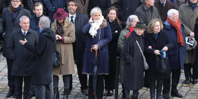 Cour des Invalides, vendredi 8 décembre. Marine Le Pen était présente vendredi à l'hommage national rendu à Jean d'Ormesson. AFP/Ludovic Marin
