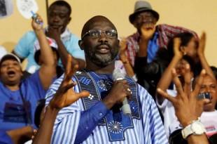 Le candidat à la présidentielle au Liberia et ancienne star du football, George Weah, lors d'un meeting électoral, àMonrovia, le 23 décembre.Crédits : THIERRY GOUEGNON / REUTERS