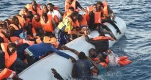 """Au Sénégal, au moins trois personnes ont été arrêtées durant le week-end pour """"convoi international de migrants en société"""" et """"trafic de migrants""""."""