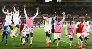 La joie des joueurs footballeurs sénégalais après leur victoire contre l'Afrique du Sud.