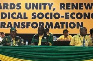Jacob Zuma, soutien principal de son ex-épouse, et Cyril Ramaphosa, ancien syndicaliste et homme d'affaires