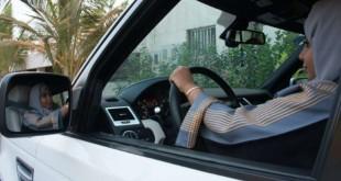 Une Saoudienne au volant d'une voiture à Jeddah, dans l'ouest de l'Arabie saoudite, le 27 septembre 2017