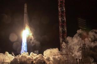 Le 27 décembre 2017, la fusée Zenit, contenant le premier satellite angolais AngoSat 1, a été lancée depuis la base de Baïkonour, au Kazakhstan. AFP
