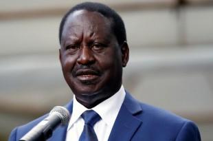 Le leader de l'opposition, Raila Odinga, qui ne reconnaît pas la victoire d'Uhuru Kenyatta, avait annoncé la tenue d'une investiture parallèle mardi 12 décembre, jour de la fête de l'indépendance (image d'illlustration). © REUTERS/Thomas Mukoya