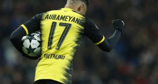 Le joueur gabonais du Dortmund, Pierre-Emerick Aubameyang, en train de célébrer un but marqué en Ligue des champions face au Real Madrid le 6 décembre 2017. © Francisco Seco/AP/SIPA