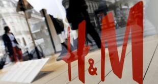 Une campagne de publicité de la marque H&M suscite l'indignation en Afrique du Sud. © REUTERS/Regis Duvignau/Files