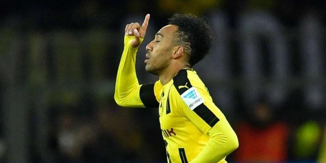 Agé de 28 ans, Aubameyang a été la saison dernière le meilleur buteur du championnat d'Allemagne, avec 31 buts.