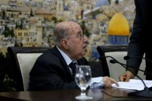 © Abbas Momani, AFP Un haut responsable palestinien, Salim Zaanoun, lit le communiqué du Conseil central palestinien à Ramallah, le 16 janvier 2018.