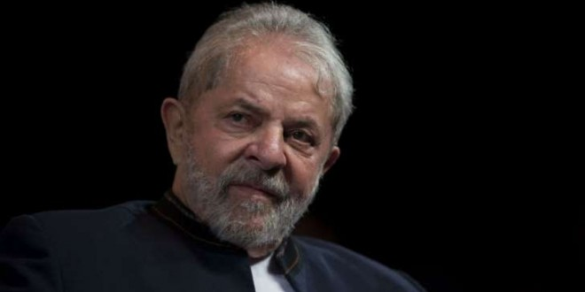 © Mauro Pimentel / AFP L'ex-président brésilien Lula a été reconnu coupable de corruption et blanchiment par la cour d'appel de Porto Alegre, le 24 janvier 2018.