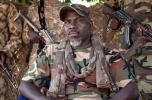 Le général autoproclamé Ahamat Bahar du Mouvement national pour la libération de la Centrafrique (MNLC), le 27 décembre 2017, à Betoko, dans le nord-ouest de la République centrafricaine. Crédits : ALEXIS HUGUET/AFP