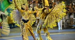 AFP / Nelson ALMEIDA Des danseurs de samba au carnaval de Sao Paulo, au Brésil, le 11 février 2018