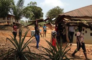 Des réfugiés dans une famille hôte, village d'Okwangwo, au sud-est du Nigeria. © Bineta Diagne/RFI