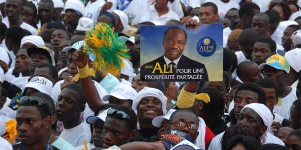 Soutiens d'Ali Bongo Ondimba, le 29 août 2009 lors de sa campagne électorale à Libreville, le 6 novembre 2017. © Joel Bouopda Tatou/AP/SIPA