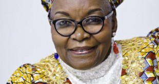 Alice Nkom (Cameroun), avocate, activiste et militante des droits de l'Homme. A Paris, au siège de Jeune Afrique, le 19.09.2014. © Vincent Fournier/JA © V. Fournier/JA