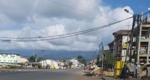 Les rues sont désertes à Buéa, chef-lieu de la région anglophone du Sud-Ouest, Cameroun, 30 septembre 2017. (Twitter/ @Mimimefo237)