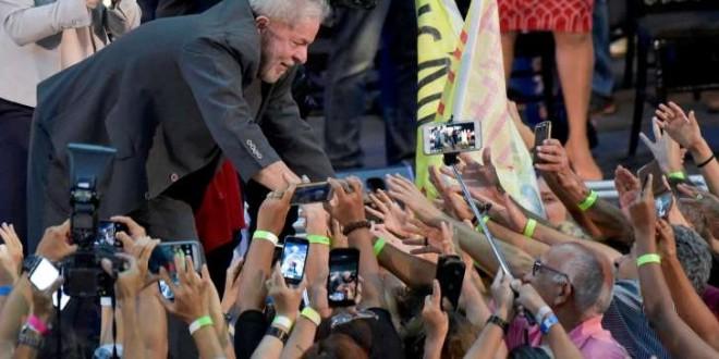 © Washington Alves/REUTERS L'ancien président Lula lors d'un meeting à Belo Horizonte en février 2018.