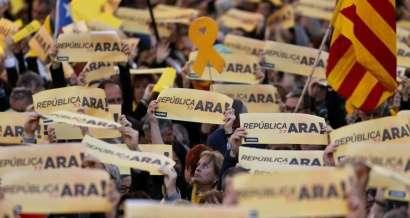 """© Copyright 2018, L'Obs Des indépendantistes défilent à Barcelone ce dimanche 11 mars, pour """"la République maintenant""""."""