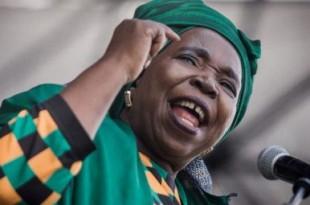 Nkozazana Dlamini Zuma, 69 ans, revient au gouvernement au nom de la nécessaire union de l'ANC. © RAJESH JANTILAL / AFP