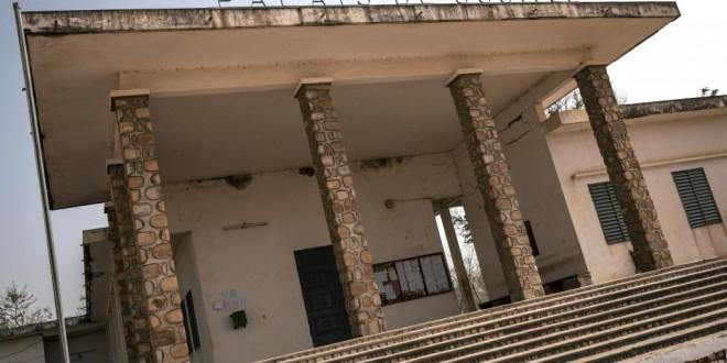 Cette photo prise le 17 février 2018, montre une vue du palais de justice de Mokolo, région de l'Extrême-Nord, Cameroun. © AFP/Alexis Huguet