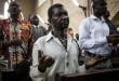 Un fidèle prie lors de l'office dédié à la mémoire des victimes de la répression du 31 décembre, le janvier 2018 à Kinshasa. © JOHN WESSELS / AFP