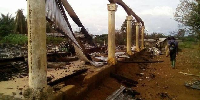 Maisons et églises brûlées au Sud-Ouest au Cameroun