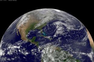 La planète Terre vue du satelite NOAA's GOES-East le 22 avril 2014.
