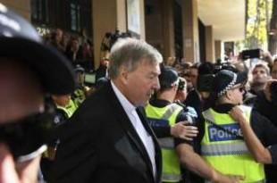 © Copyright 2018, L'Obs Le cardinal George Pell arrive au tribunal de Melbourne, le 1er mai 2018.