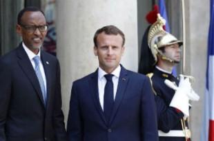 Emmanuel Macron accueille le président rwandais à l'Élysée, le 23mai. © Francois Mori/AP/SIPA