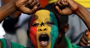 Nul doute que les supporteurs sénégalais seront particulièrement motivés à l'idée de chanter plus forts que leurs voisins polonais. Themba Hadebe / AP